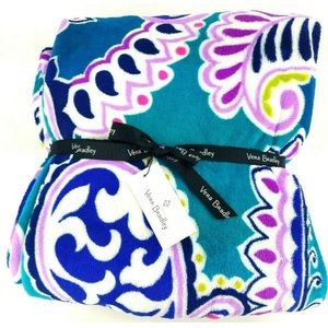 Vera Bradley parsley throw blanket .